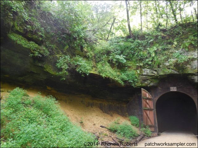 S-E Trail-Tunnel